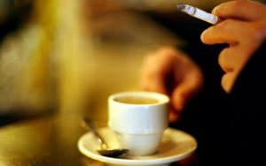 Cafe cigarette