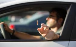 Mégots incendiaires : remettre des cendriers dans les voitures ?