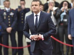 Paquet à 10 euros: un sondage taillé sur mesure par et pour Emmanuel Macron